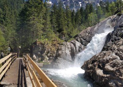 Barbarabrücke mit Wasserfall