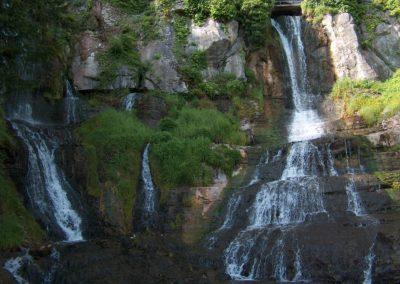 Wasserfall im Frühling