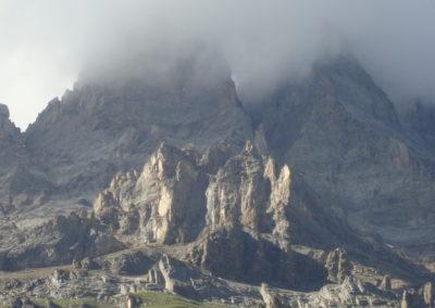 Felsen in der Wolke